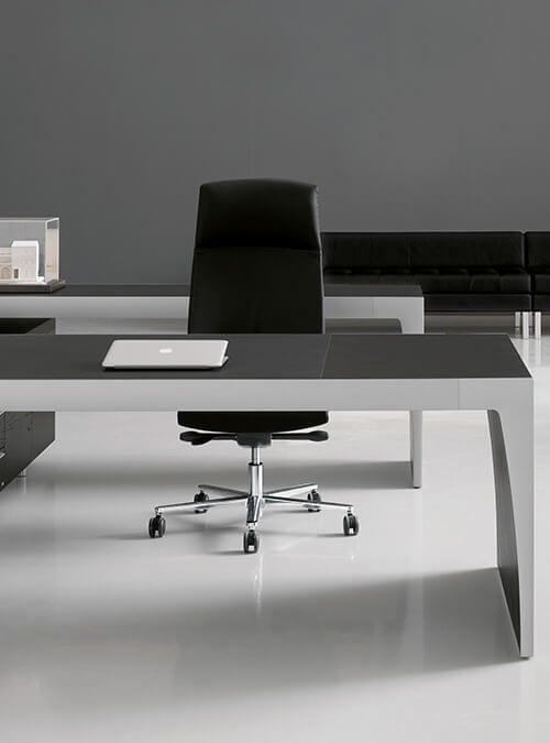 Nasi architekci wnętrz pomogą dostosować meble do każdej gabinetowej przestrzeni, a doświadczeni montażyści z największą starannością zamontują je w Państwa gabinetach.