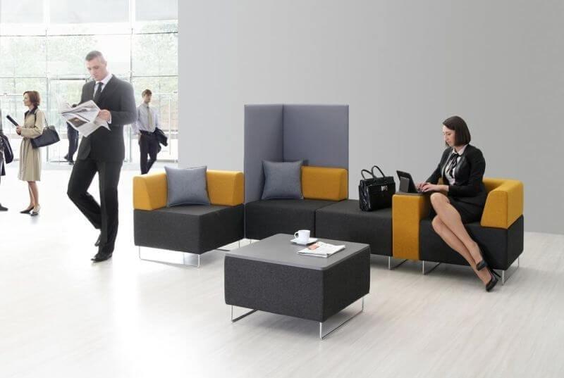 Oferujemy bogaty asortyment miękkich mebli biurowych z możliwością ich wielorakich konfiguracji, dzięki którym doskonale wpasują się w styl każdego pomieszczenia.